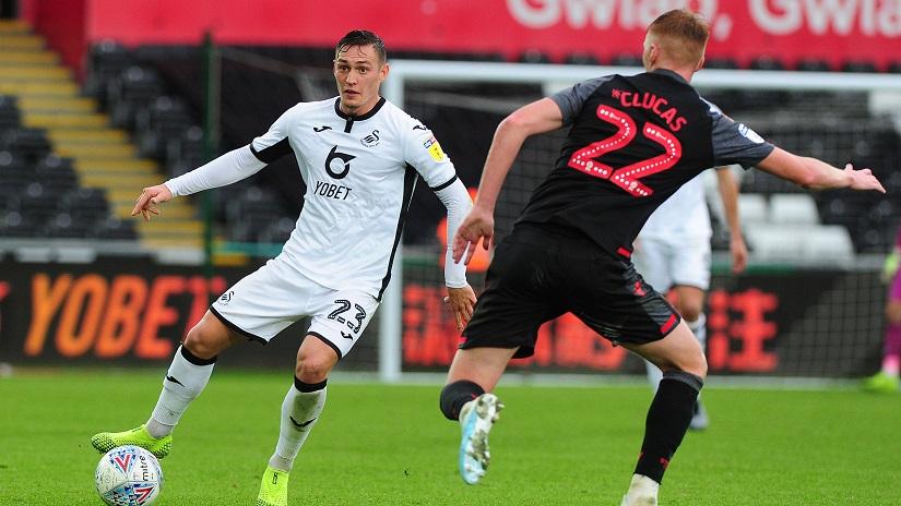 Soi kèo Swansea vs Stoke, 01h45 ngày 18/8 - Hạng Nhì Anh